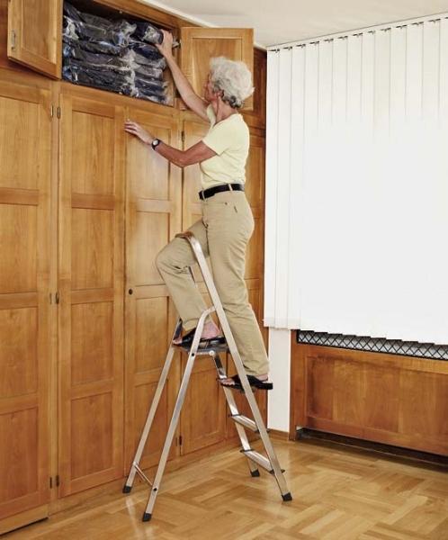 Z200 Zarges Stufen-Stehleiter einseitig begehbar